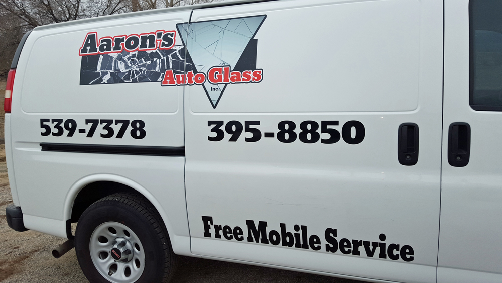 Vehicles graphics by gwen for Cheap vehicle lettering